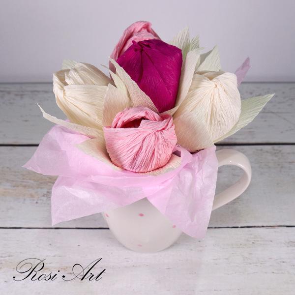 букет-от-бонбони-розови-лалета