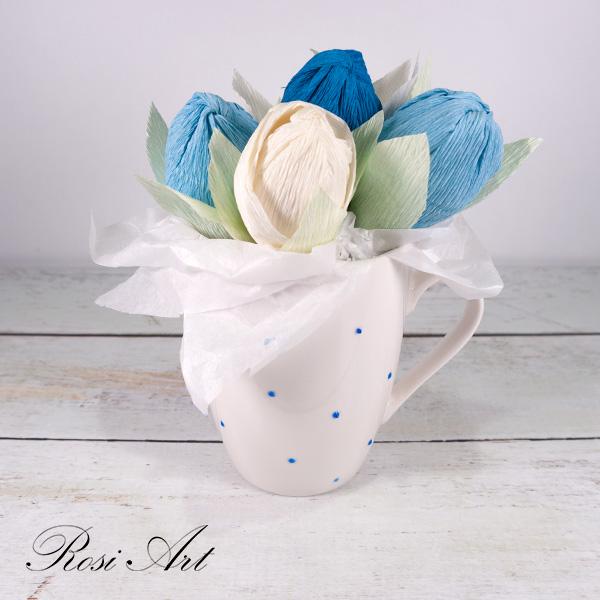 букет-от-бонбони-сини-лалета 3