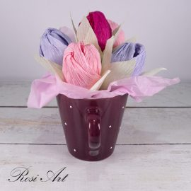 букет от бонбони лилави лалета