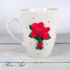 Чаша червени рози