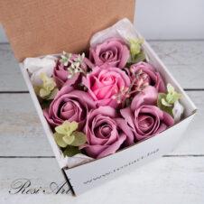 Букет от сапунени цветя рози в кутия