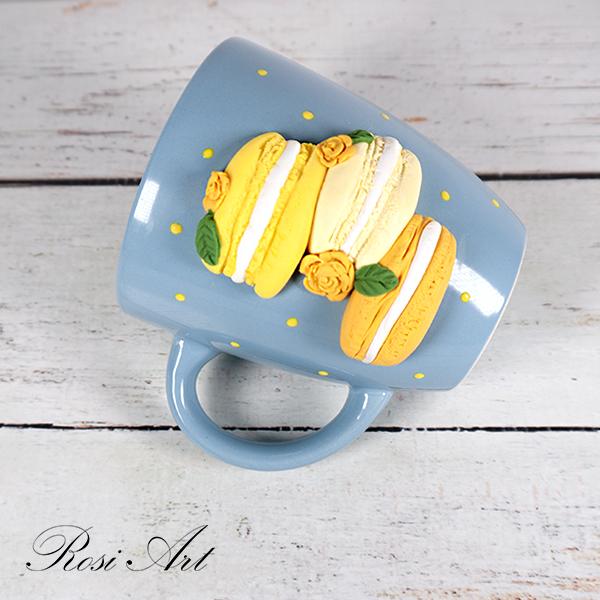 Чаша с жълти френски макарони