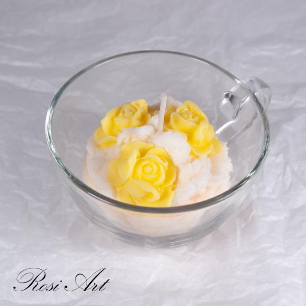 Свещ жълти рози