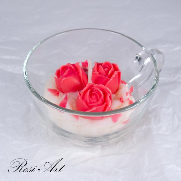 Свещ червени рози